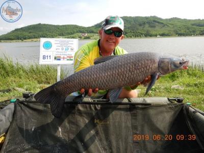 Louwies Loutije: Nagy megtiszteltetés, hogy most nálunk horgászik a világ legjobb pontyhorgásza!
